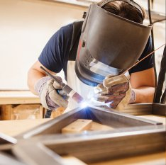 Úroveň znalostí, dovedností akompetencí dosažená pro každou úroveň kvalifikace svářečského dozoru ajejich korelace sISO 3834